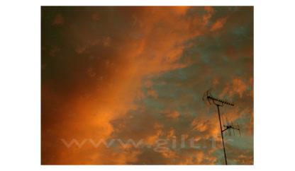 Nuages Rouges et Antenne Gilt Paysage Ciel réf.: CN03